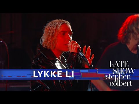 Lykke Li Performs 'Deep End'