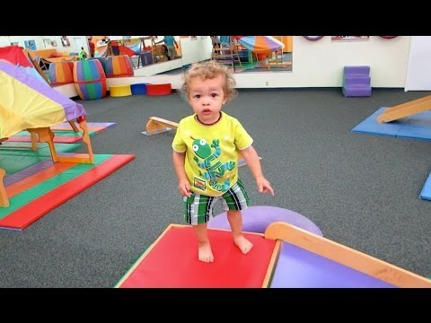 Growing Too Fast | GabeBabeTV - GabeBabeTV  - zmLUNJ5PhH4 -