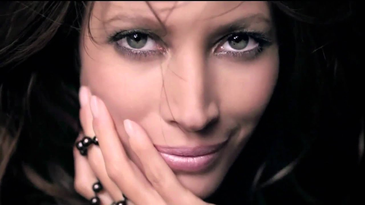 christy turlington maybelline - photo #4
