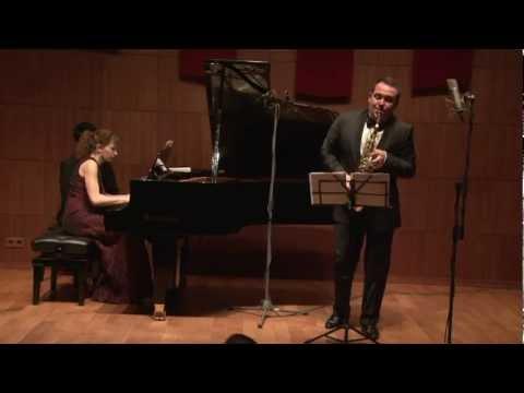 Jean Francaix - Cinq danses exotiques I. Pambiche (Saxophone - Alexander Strelyaev)