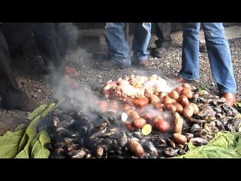 Curanto en isla Mechuque,Chiloé.Chile.