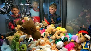 EPIC CLAW MACHINE CHALLENGE!