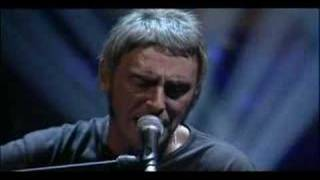 Paul Weller - That's Entertainment (Feat Noel Gallagher)
