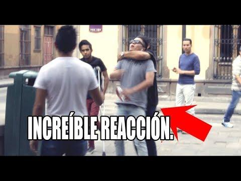 HUMILLANDO A INVALIDO (INCREIBLE REACCION DE LA GENTE) EXPERIMENTO SOCIAL