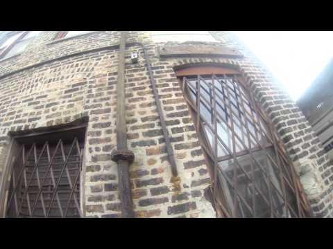 Ненормален скок од кров на кров