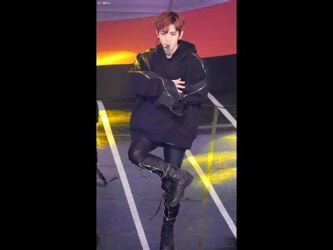 161116 엑소 (EXO) - Monster (몬스터) [백현] BAEKHYUN 직캠 Fancam (Asia Artist Awards ) by Mera