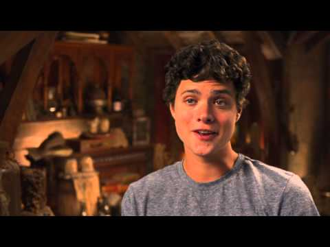 Douglas Smith's Percy Jackson Sea of Monsters Interview - Celebs ...