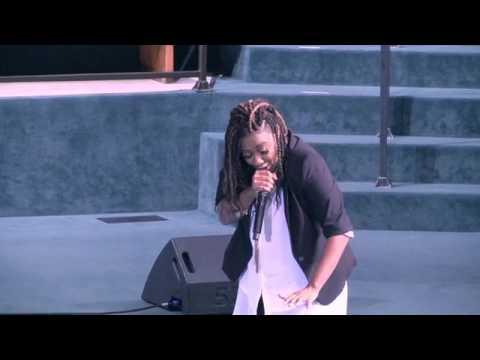 Leandria Johnson Performing