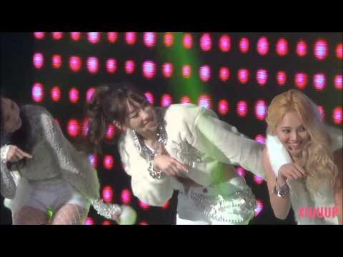 140123 서울가요대상 소녀시대 태연 직캠. 멍하니 봅니다 또 봅니다 계속 봅니다